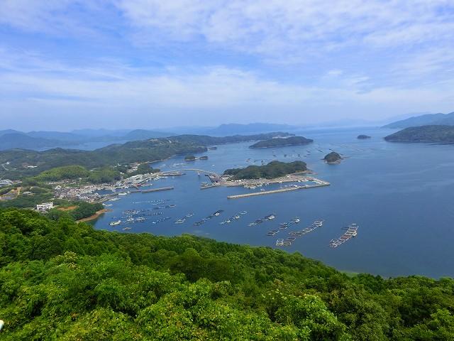 鹿児島県最北端の長島町の港町です。