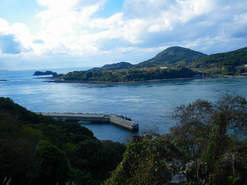 日本三大急流の一つ黒の瀬戸海峡。