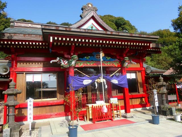 加紫久利神社の社殿は新しく再建されました。