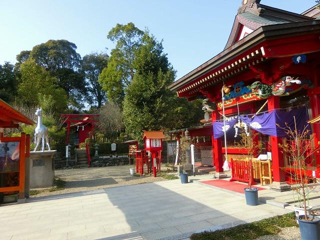加紫久利神社の社殿に参拝しました。