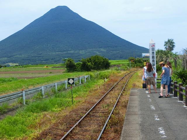 乗降客より観光客が圧倒的に多いです。
