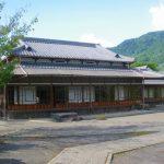 鹿児島県霧島市の黒酢の里、福山町にある旧田中氏別邸の豪華な造り。