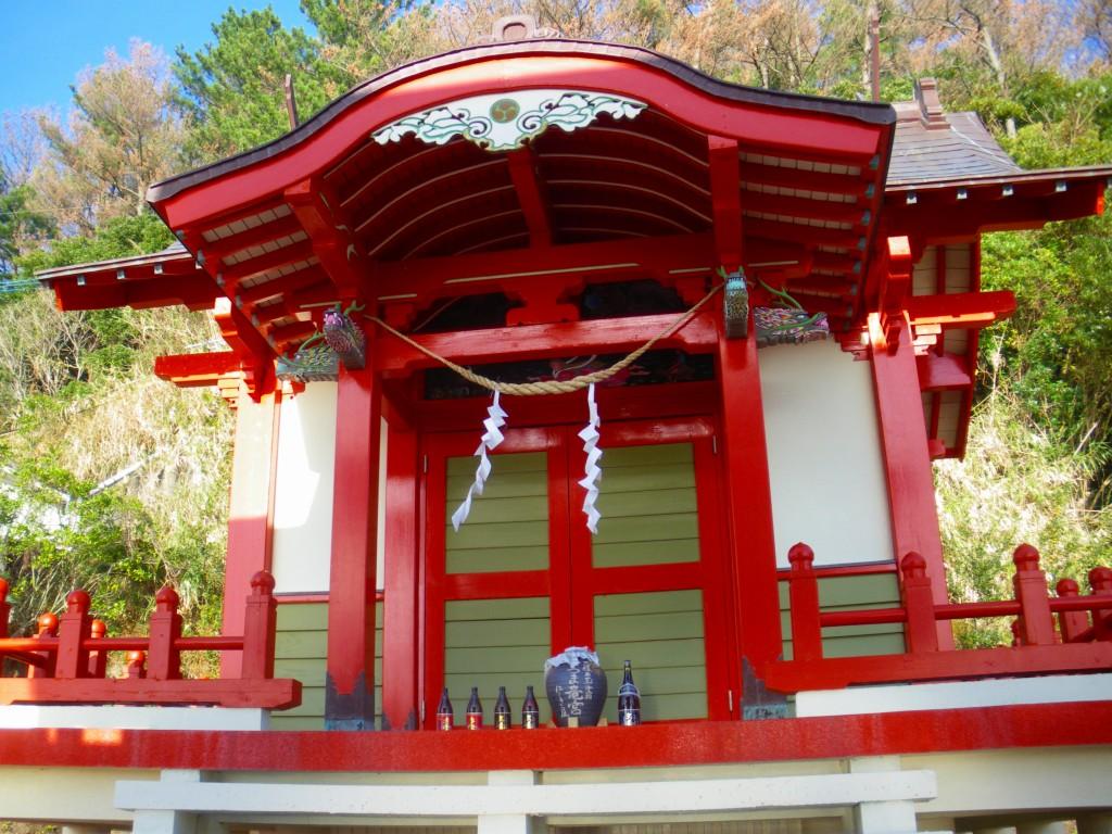 竜宮神社です。