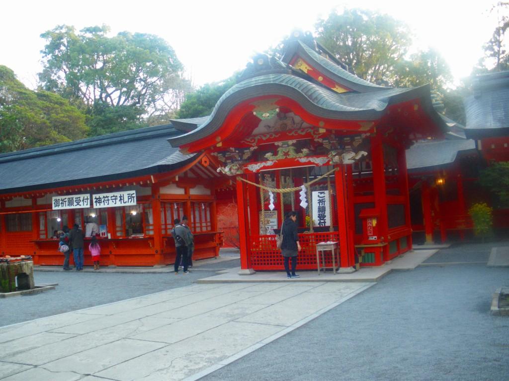 枚聞神社です。