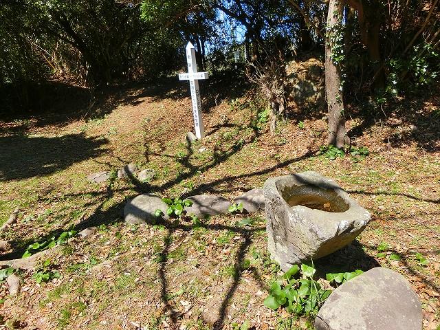 当時、使われていた手水鉢がです。