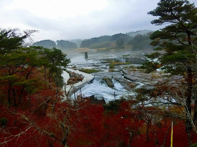 お昼の曽木の滝です。