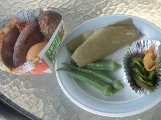 地元の食材をスメで料理しました。