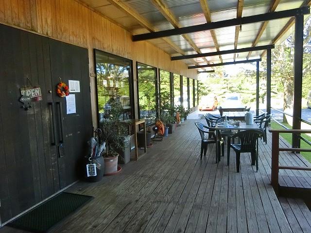 ハム・ソーセージ工房&レストランふくどめ小牧場のテラス席です。