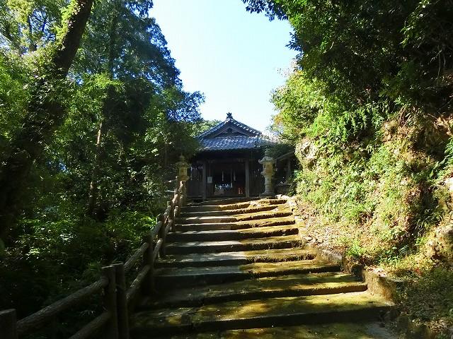 薩摩焼の里に鎮座する陶器の守護神・玉山神社に参拝します。