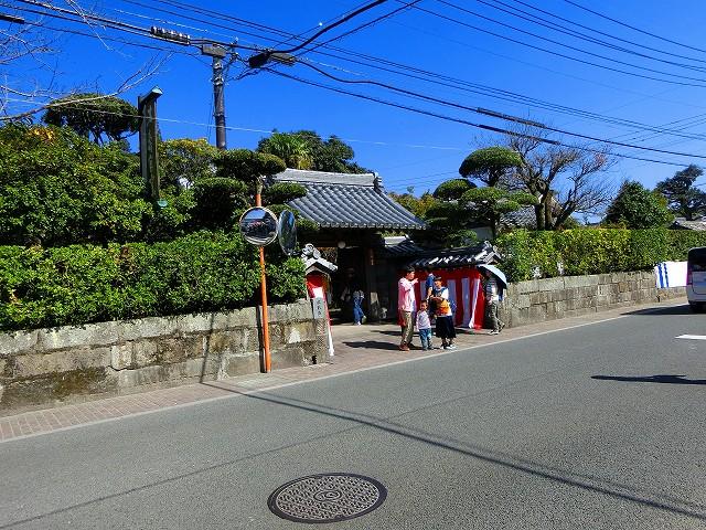 沈壽官窯は広いお屋敷のような窯元です。