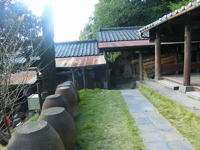 突き当りには沈壽官窯の登り窯があります。