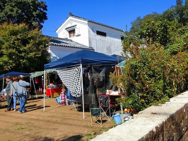 沈壽官窯の隣りでフリーマーケットも開催。