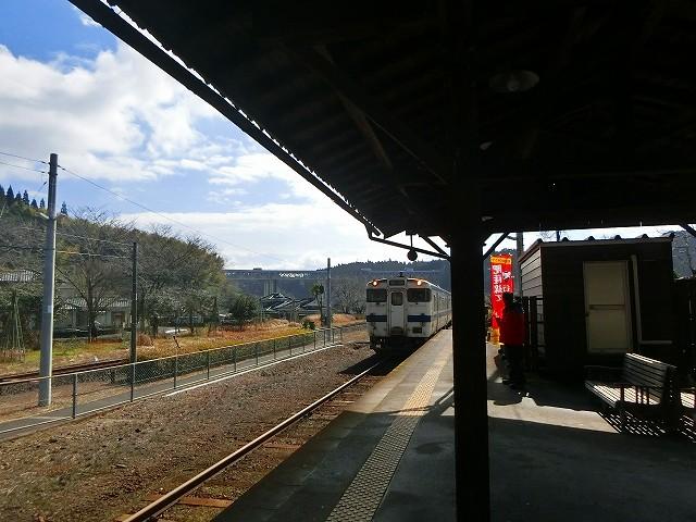 大隅横川駅に列車が入ってきました。