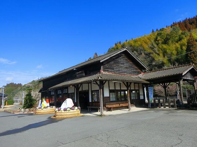大隅横川駅は鹿児島最古の木造駅舎