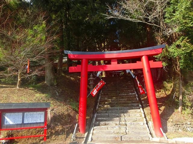 安良神社は大隅横川駅より車で10分程