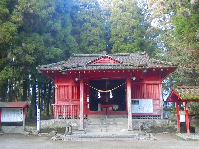 勝栗(かちくり)神社です。