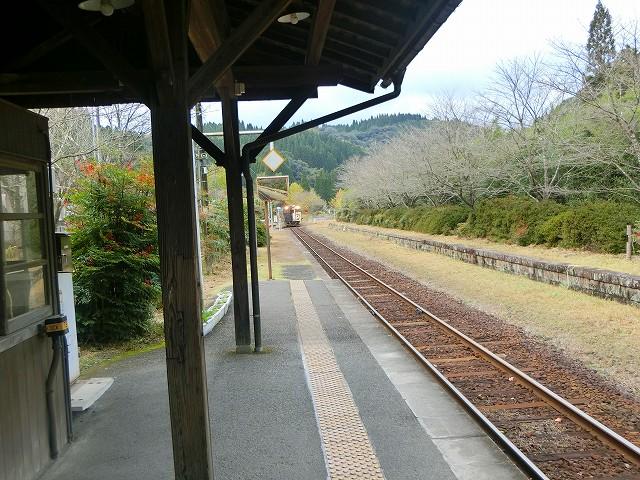 はやとの風が嘉例川駅に入ってきました。