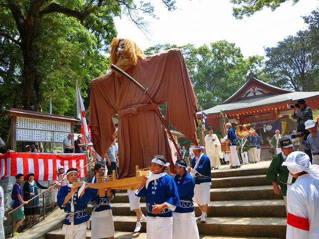 日置八幡神社の神様がお出まし。