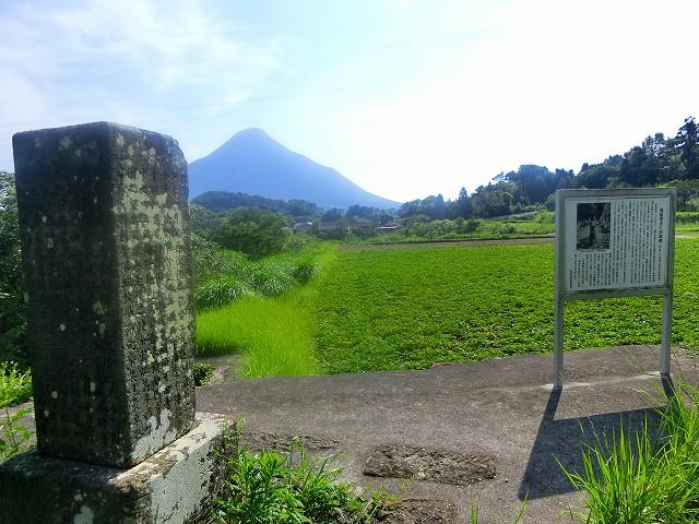 池田湖の水で開聞岳周辺は一大農業地に。