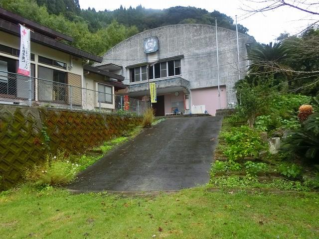 旧坊野小学校が地区公民館になりました。