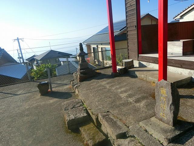 竈門神社は高い場所から福山を見守ります。