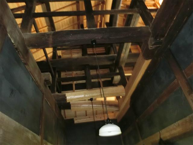 寺島宗則記念館は築180年の旧家です。