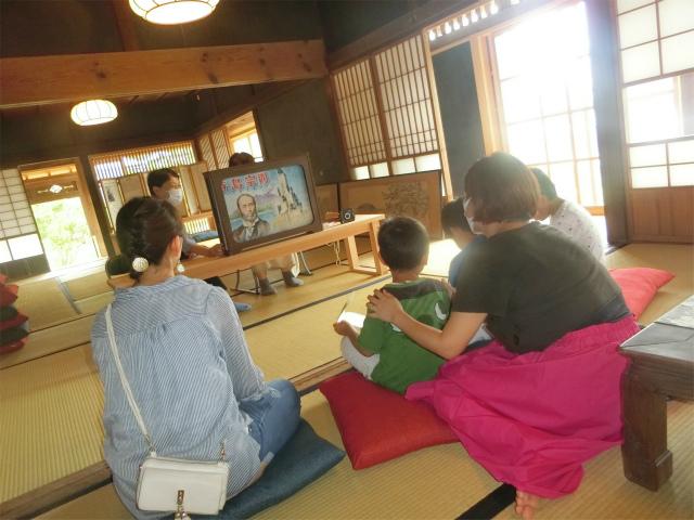 寺島会の皆さんが紙芝居を上演します。
