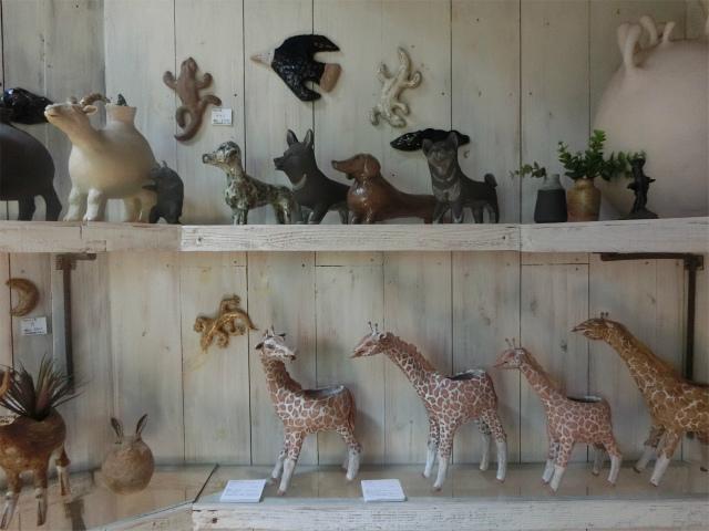 草食動物の花器は展示会もありました。