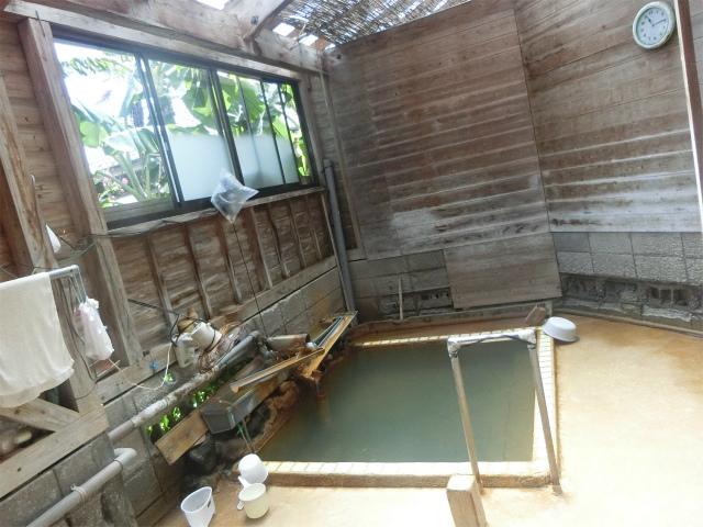 元屋さんのお風呂はレトロですよ。