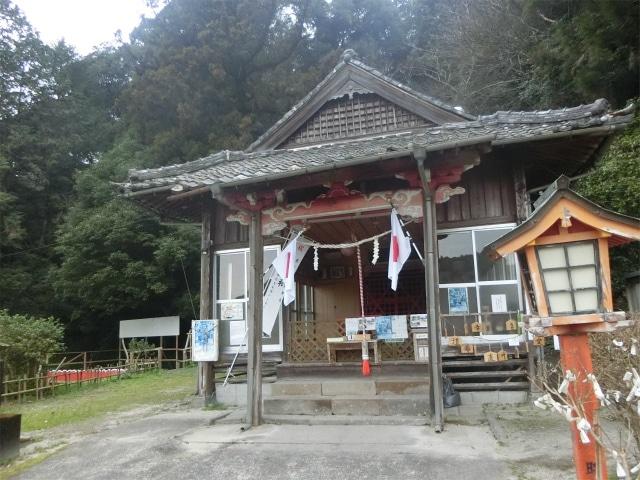 檍神社の社殿に参拝しました。