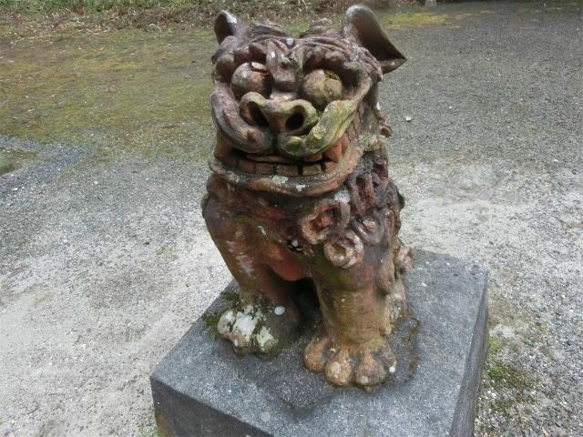沖縄の守り神・シーサーのようです。