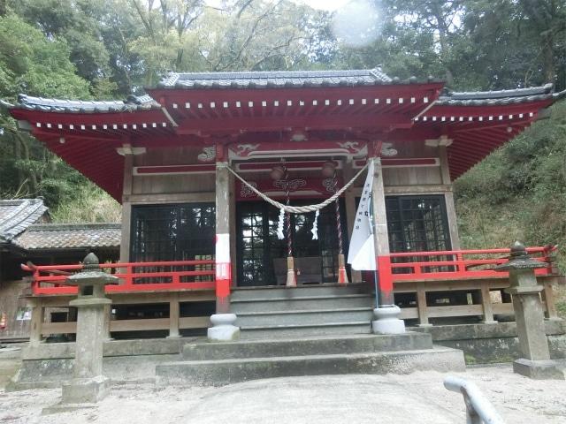 住吉神社の拝殿に参拝しました。