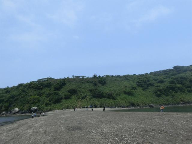 知林ヶ島までは20分程歩きます。