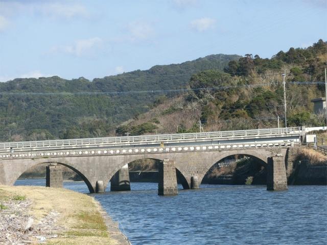 三連の石橋・浜田橋です。
