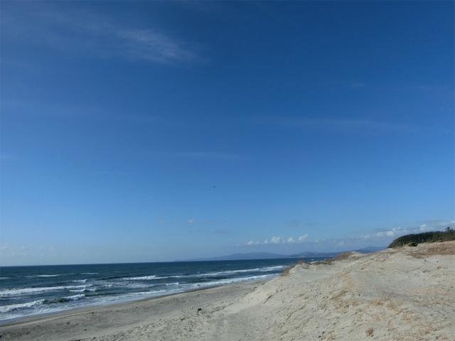 日本三大砂丘の吹上浜は誰もいない海でした。