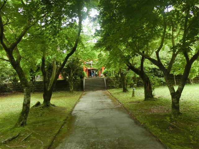 大野嶽神社の境内参道です。