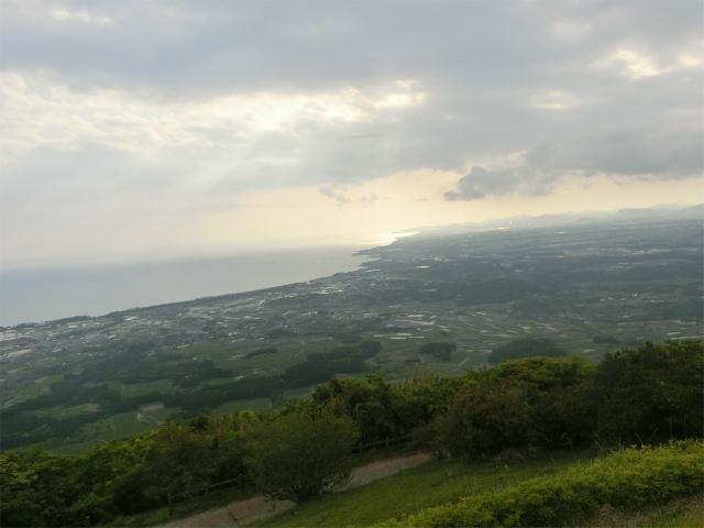 大野岳から見る薩摩半島南端の海岸線の眺望