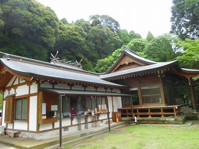 鹿児島では最古と云われる湯田の稲荷神社に参拝