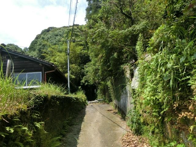 内城登城口に続く道です。