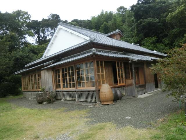リニューアルされた寺島宗則の生家です。