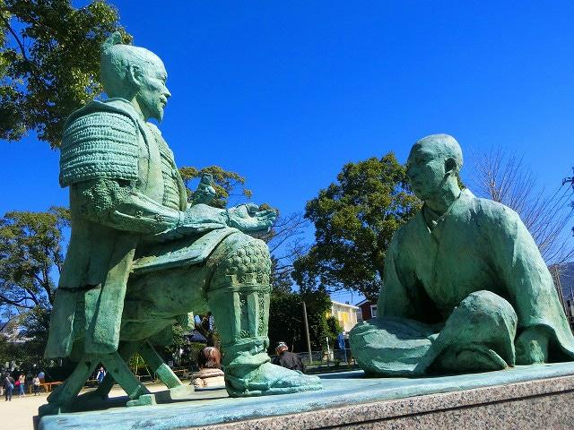 島津義久は頭を丸めて豊臣秀吉に謁見します。