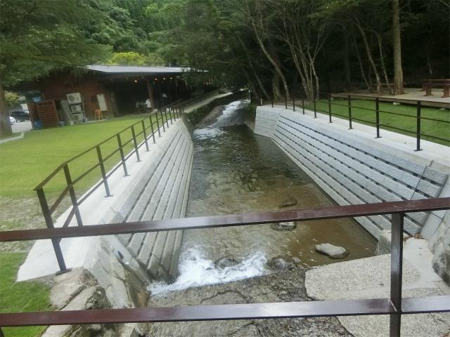 大野庵では川の水を有効に活用しています。
