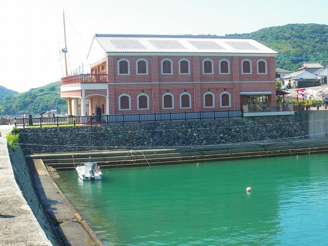 羽島に建つ薩摩藩英国留学生記念館です。
